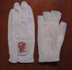Tennis gloves
