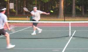 Tennis strike point volley